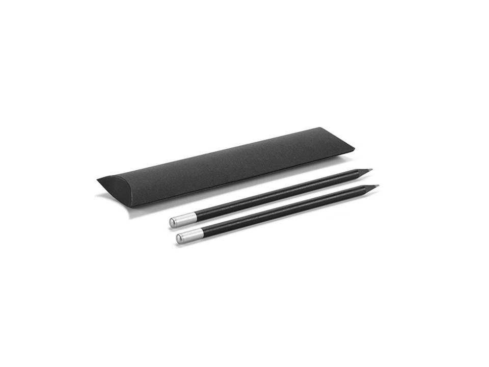 Conjunto de lápis. Segue em  embalagem. Peça na cor preta.