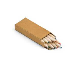 Caixa com 10 lápis de cor. Peça na cor natural.