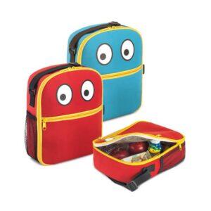 Bolsa térmica 600D. Alça ajustável. Peças nas cores vermelha ou azul.