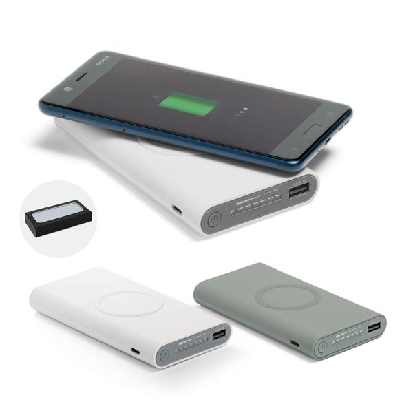 Bateria portátil wireless em ABS. Acabamento emborrachado. Bateria de lítio. Capacidade: 11.000 mAh. Tempo de vida ≥ 500 ciclos. Com entrada/saída 5V/2A
